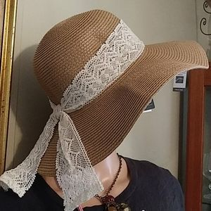 Nwt Straw hat  with Crochet Bow Tie adjustingr